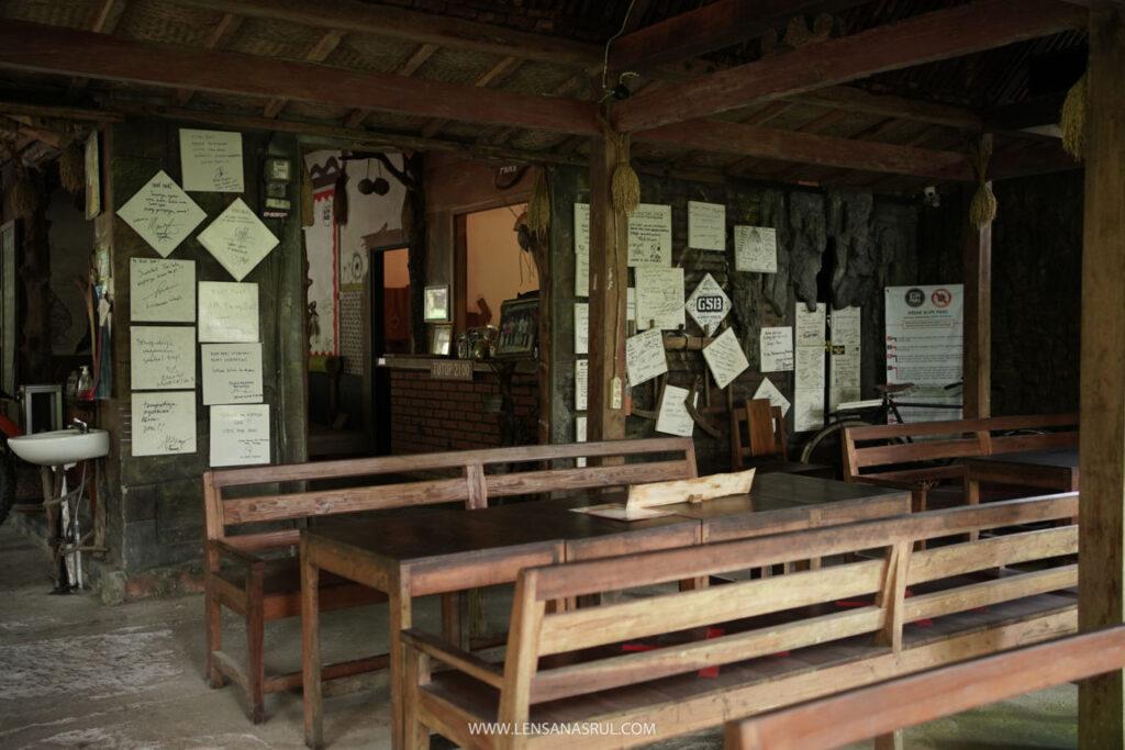 ruang kedai kopi pari